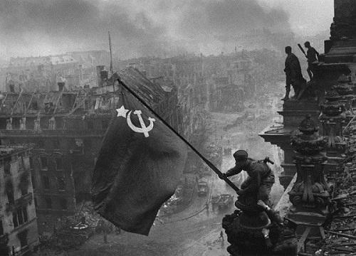 chiến tranh thế giới thứ 2 lịch sử 11 và hình ảnh thành công của hồng quân Liên Xô