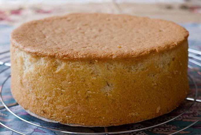 Cốt bánh khi chín thì lấy ra khỏi lò rồi để nguội