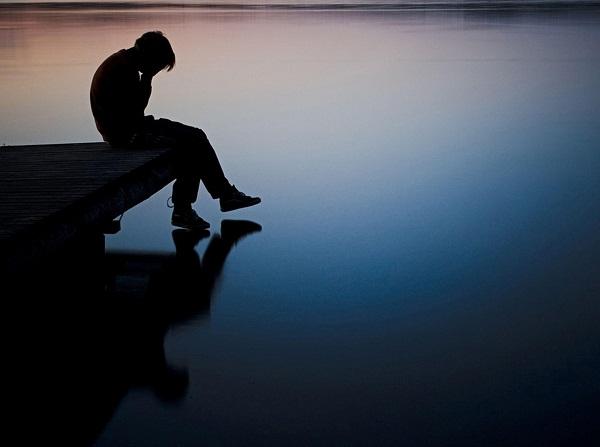 Hình ảnh chàng trai buồn cô đơn tuyệt vọng nhất
