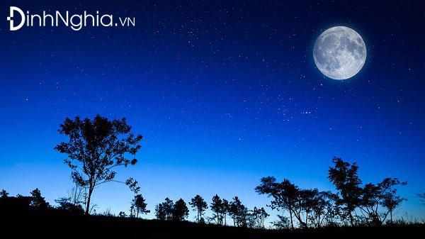 hình tượng mảnh trăng trong tác phẩm mảnh trăng cuối rừng