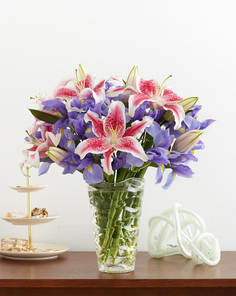Hoa loa kèn mang nhiều tầng ý nghĩa