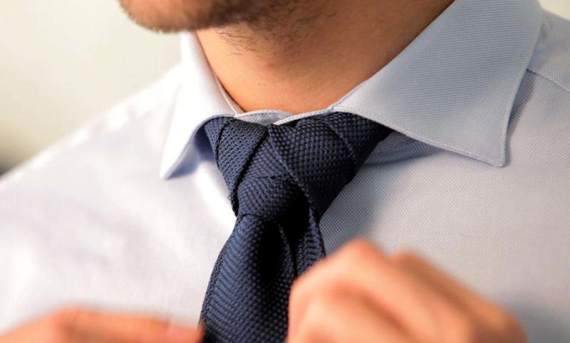 Nhiều người thường thắt nút thắt cà vạt khá cẩu thả