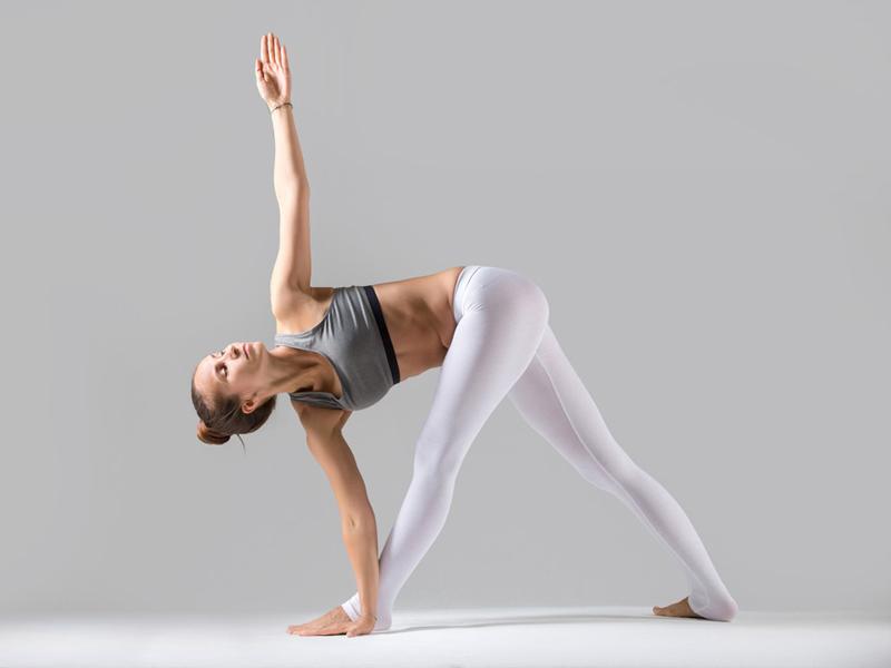 cac-dong-tac-yoga-co-ban-4