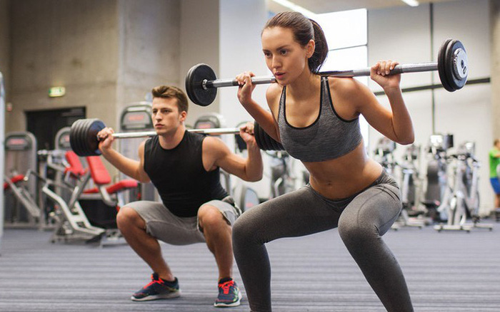 Bài tập nâng tạ giúp giảm mỡ bụng và bắp tay